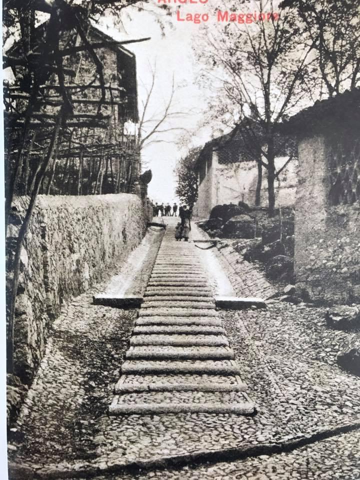 storia di Arolo, scalinata